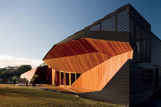 Letterbox house by McBride Charles Ryan Architects